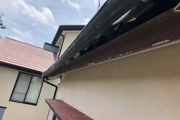 屋根工事(軒先面土板取付け)